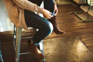 Come Allargare le Scarpe Troppo Strette (Guida Facile e Veloce)