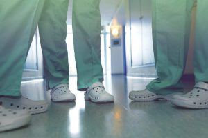 Quali sono gli Zoccoli Sanitari più leggeri per gli Infermieri?