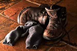 Scarpe che Puzzano: Come Rimuovere Gli Odori